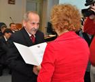 wręczenie zaświadczenia o objęciu mandatu Radnego Rady Miasta Siedlce VI kadencji